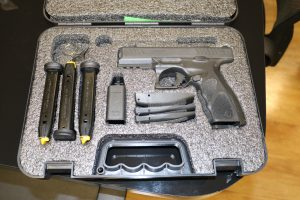 Delegado Geral da Polícia Civil recebe representantes da fabricante de armas Taurus