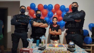 Foto de Em São Gabriel do Oeste, policiais da 12ª CIPM realizam surpresa em festa de aniversariante de 10 anos. |