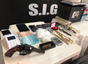 """Foto de Operação """"Casa de Papel"""" da Polícia Civil prende quatro pessoas, apreende dois adolescentes e sequestra bens em Ivinhema."""
