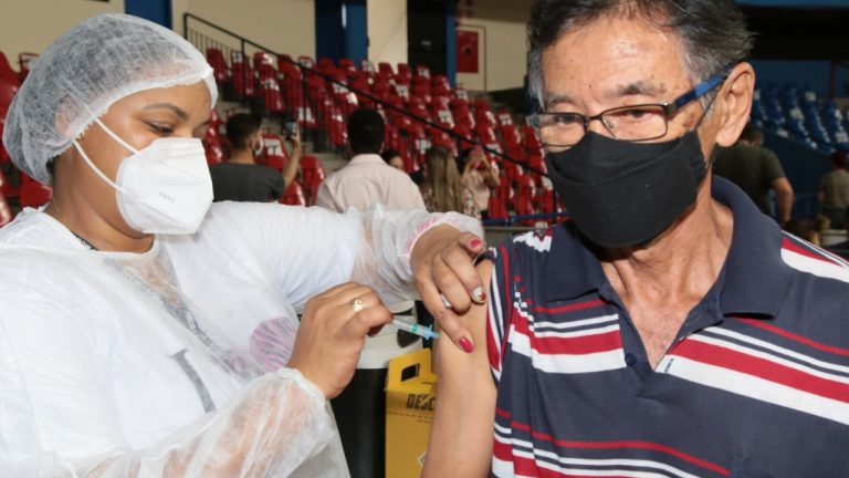 Segundo dia de força-tarefa para imunização tem 7,5 mil pessoas vacinadas contra Covid-19 | CGNotícias