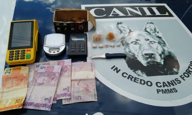 Força Tática e guarnição do CANIL do 2º BPM realiza prisão por tráfico de drogas. |