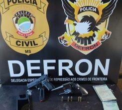 Foto de Polícia Civil prende dois homens com pistola, revólver e 822kg de maconha