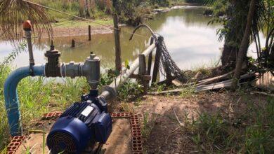 Foto de Polícia Militar Ambiental autua comerciante em R$ 7,5 mil por captar grande quantidade de água para irrigação agrícola sem a licença ambiental |