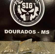 Foto de Suspeito de tráfico de drogas após a localização de 1,5kg de maconha