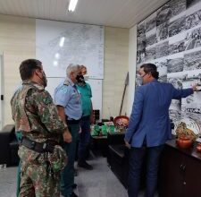 Foto de Comando da PMMS realiza visita ao Prefeito da Capital |
