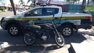 Foto de Em Naviraí, Polícia Militar apreende adolescente de 16 e prende jovem de 18 anos por tráfico de drogas, receptação e recupera motocicleta furtada |