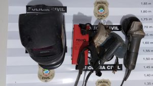 Foto de Polícia Civil identifica suspeitos de furto e recupera objetos subtraídos